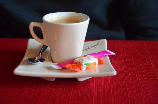 Bon café avec un petit bonbon (celui était pour moi :p) - © My-Mulhouse.fr