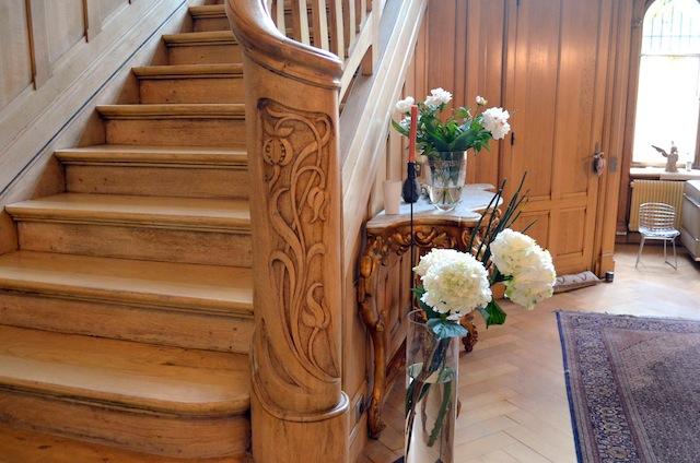 Hall d'entrée : de belles boiseries conservées et décapées - © My-Mulhouse.fr
