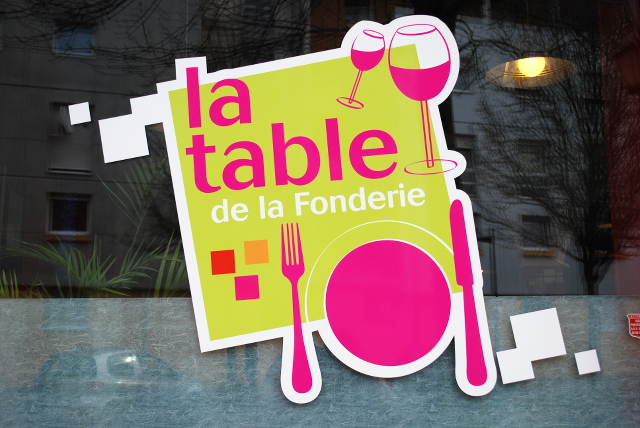 table fonderie devanture
