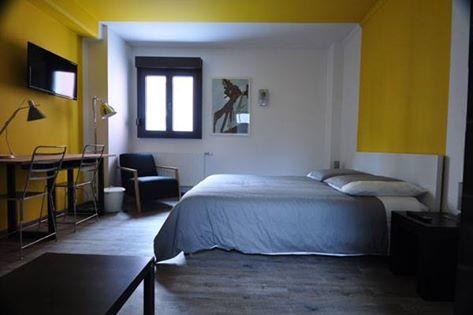 chambre jaune maison mondrian mulhouse