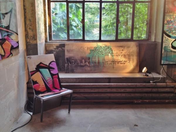 Tableau de NIACK et Chaise du Comptoir du Design avec NIACK et SVEN