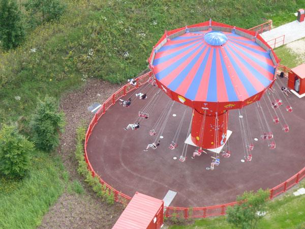 les chaises volantes au parc du petit prince