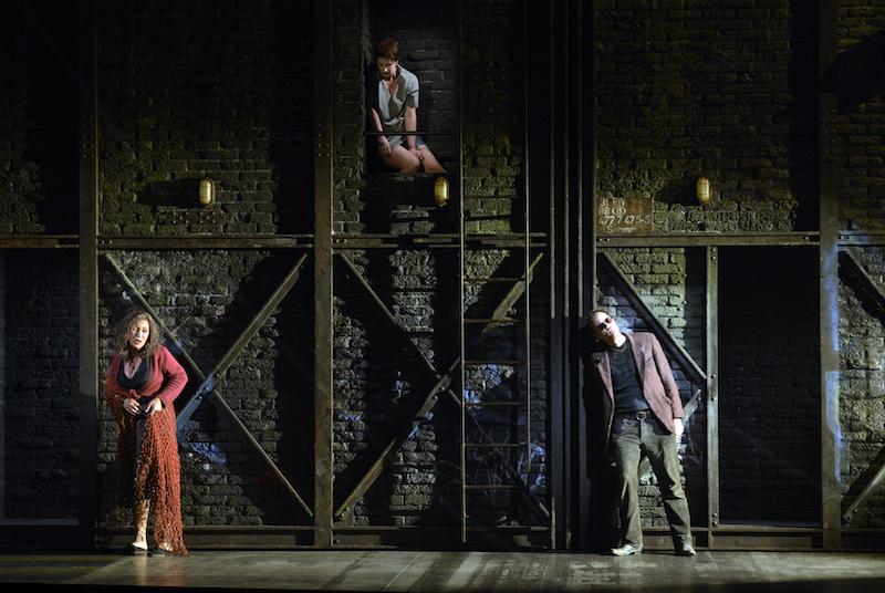 Claire, Cécile et Charles dans Quai Ouest, à l'Opéra National du Rhin