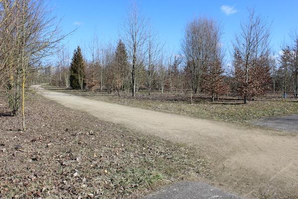 Un chemin dans le Parc des Collines - © My-Mulhouse.fr