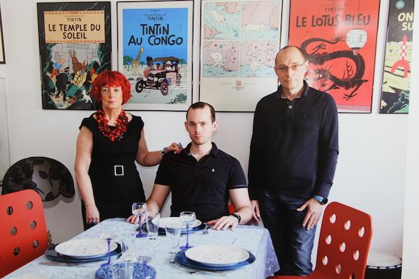 C'est l'heure du déjeuner, sous l'oeil de Tintin...©Martin Parr