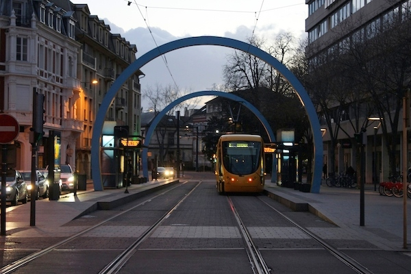 tram mulhouse nuit