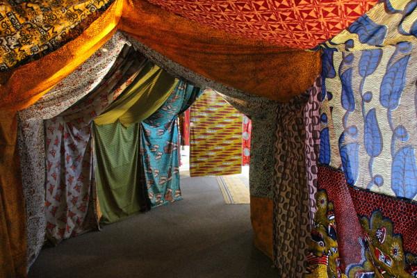 """""""Impressions d'Afrique"""" : une cabane de boubous"""