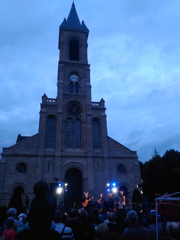 Scène devant l'église Notre Dame - © My-Mulhouse.fr
