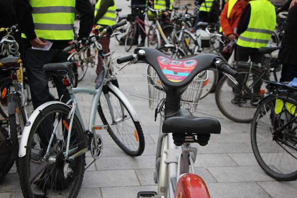 Une centaine de vélos sur la place de la Gare pour cette visite - © My-Mulhouse.fr