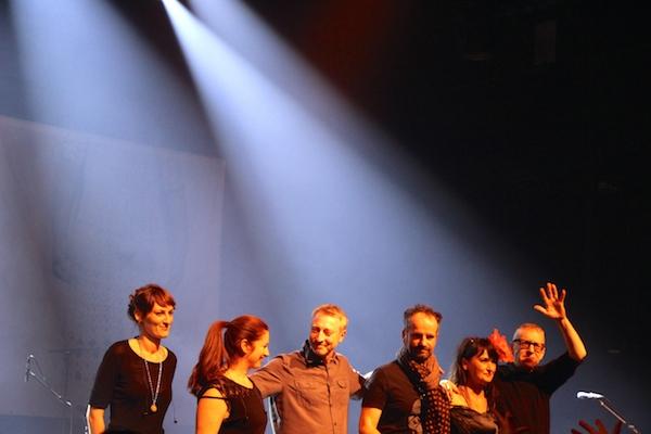Les PJ@Mellor et, à gauche, les deux jeunes femmes qui ont traduit les concerts en langue des signes. - © My-Mulhouse.fr