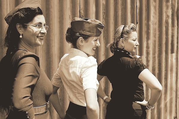 Les pin-ups des années 50 -© Ray Mond