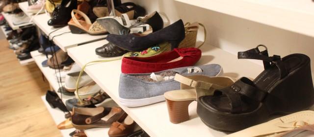 Il y a aussi des chaussures, des sacs, quelques bijoux... - © My-Mulhouse.fr