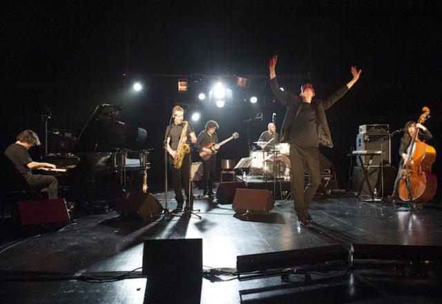 Sarah Murcia et ses musiciens sur scène - © Emmanuel Rioufol