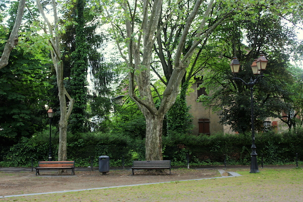 parc devant eglise st bartelemy mulhouse