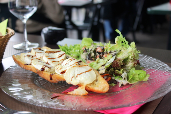 salade chevre chaud restaurant amici mulhouse
