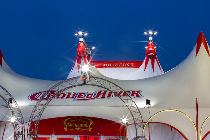 Le chapiteau, premier plaisir du spectacle ! © Cirque d'Hiver Bouglione