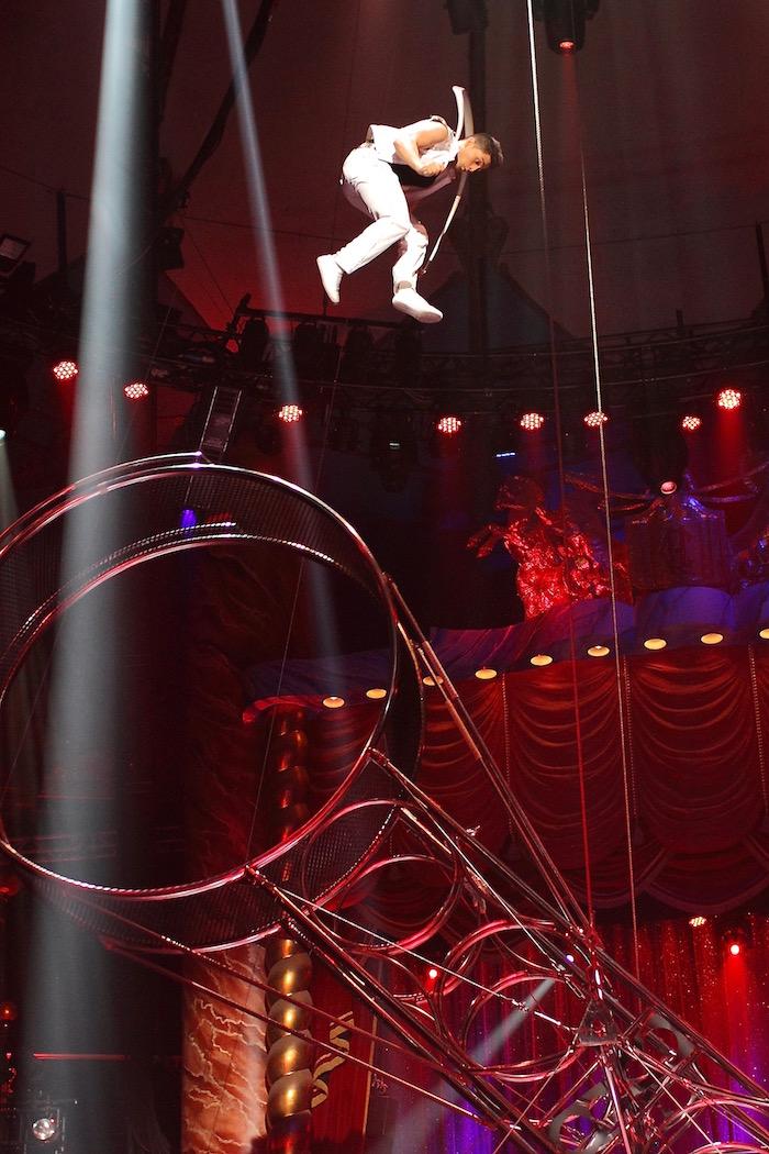 Des acrobaties spectaculaires - © Cirque d'Hiver Bouglione