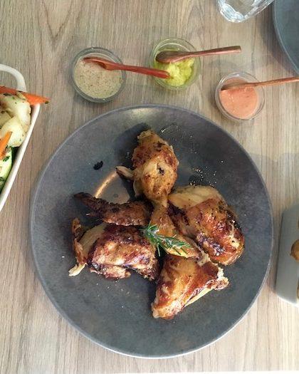 Notre poulet, ses garnitures et sauces (merci Philippe pour la photo !) - © My-Mulhouse.fr